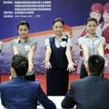 Xem thi tuyển tiếp viên hàng không