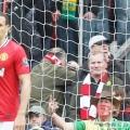 Derby Manchester đã cận kề nhưng bầu không khí ở sân Old Trafford vẫn khá căng thẳng. Tiền vệ Luis Nani thậm chí