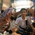 Người Việt qua Singapore xếp hàng mua iPhone 5