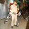 Sài Gòn: Cảnh sát giao thông bị cướp xe Sh giữa đêm :|