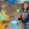 Ice Bucket Challenge phiên bản Ấn Độ - Thay xô nước đá bằng xô gạo và tặng cho người nghèo