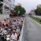 Cấm ô tô đường Cầu Giấy: Ngơ ngác và nghẹn ứ