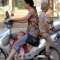 Đánh cược tính mạng trẻ em trên xe máy