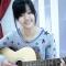 Cô gái dễ thương đàn hát cực hay thu hút dân mạng