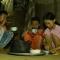 Bữa cơm đẫm nước mắt của 3 anh em mồ côi nhặt ve chai kiếm sống