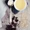 Hướng dẫn làm mặt nạ tẩy da chết từ socola và mật ong