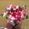 Cách làm một bó hoa từ giấy nhún đơn giản