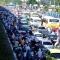 Hà Nội: Tắc đường kinh hoàng, xe máy đi lên cao tốc trên cao thoát thân