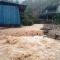 Trung tâm khí tượng: 'Không thể lường được mưa kỷ lục ở Quảng Ninh'