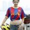Người mẫu Andrea đập vỡ cân để giảm béo
