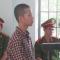 Nam sinh 15 tuổi tạt a xít trưởng công an của đoàn cưỡng chế lãnh 4,5 năm tù