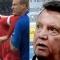 Van Gaal giật tóc phóng viên, nói chuyện tình dục để bào chữa cho Fellaini