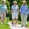 Người già có nên tập thể dục vào buổi sáng sớm ?