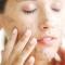 Các bước chăm sóc da mặt hàng ngày cho bạn gái giúp da trắng hồng