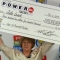 Một phụ nữ Mỹ vỡ òa khi trúng độc đắc 310,5 triệu USD