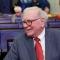 Warren Buffett: 'Chỉ làm việc cho đẹp lý lịch giống như để dành 'sex' đến già'