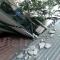 Hà Nội: Bê tông từ tòa BIDV rơi xuống, 13 người thoát chết