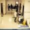 Bệnh nhân HIV rượt đánh bác sĩ trong phòng cấp cứu gây náo loạn