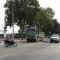 Hà Nội: Đỗ đèn đỏ, 2 thanh niên bị xe tải cuốn vào gầm sau tai nạn liên hoàn.