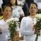 """40,000 cổ động viên mặc đồ tang trắng dự Trận """"chung kết"""" : nước mắt chan cơm :("""