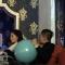 Hoa hậu Kỳ Duyên đáng yêu thổi bóng cho bạn trai trong đêm tối
