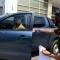 Phó CT Quận 1 cho phá tường lấn vỉa hè của văn phòng Bộ Công Thương và kéo xe biển xanh.