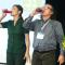 Lãnh đạo doanh nghiệp uống thuốc diệt cỏ trước hàng trăm người Để chứng minh độ an toàn