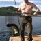 Mặc Xuân Thanh đầu thú, Putin cởi trần tắm nắng, câu cá, tận hưởng kỳ nghỉ hè tràn đầy ánh nắng