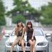 Xe hơi và gái đẹp