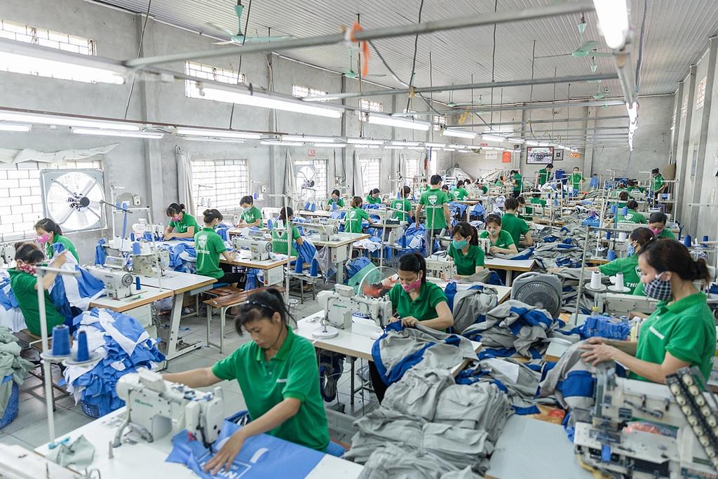 Cửa hàng uy tín bán quần áo đồng phục lao động tại Bình Dương