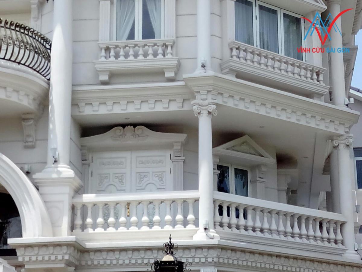 Con tiện xi măng với phong cách kiến trúc cổ điển 180613.XH2JS5c35a9a443090