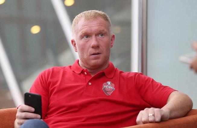 Huyền thoại MU nhận án phạt nặng từ FA vì tội cá cược